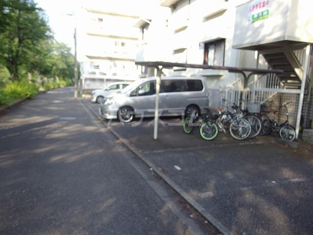 コーポアリセイ 202号室の駐車場