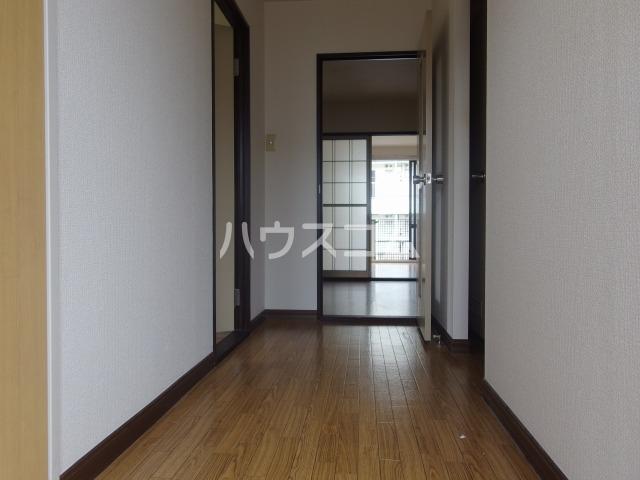 スパローハイムA 102号室の玄関
