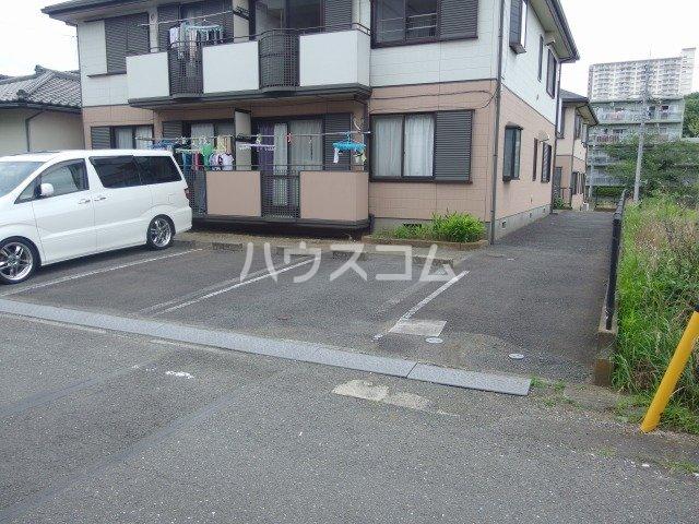 スパローハイムA 102号室の駐車場