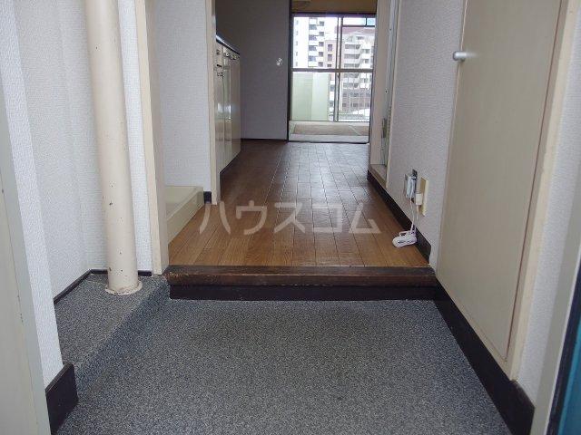 リバーサイド山王下 505号室の玄関