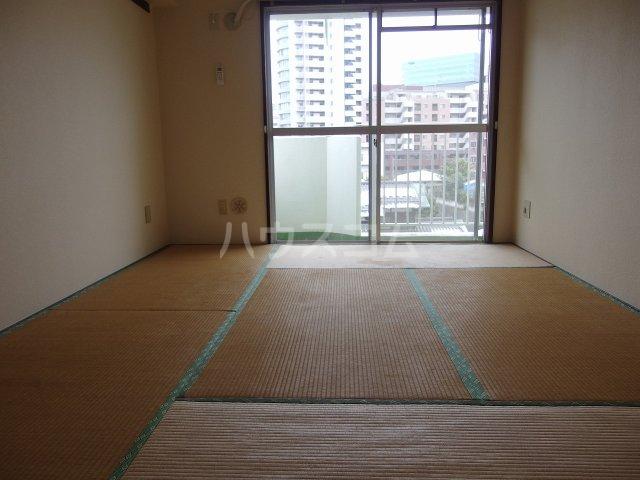 リバーサイド山王下 505号室の居室