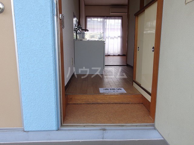 ルミネ豊ヶ丘 305号室の玄関
