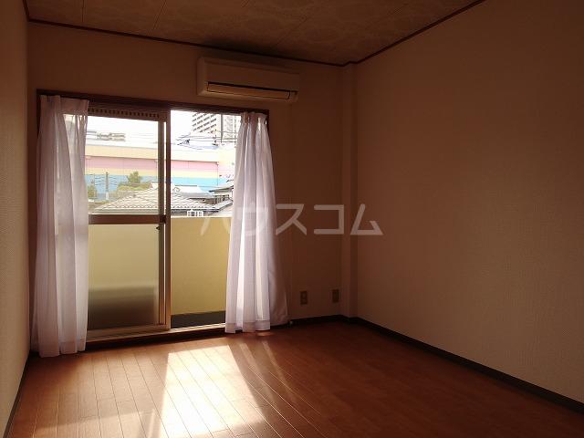 ルミネ豊ヶ丘 305号室の居室