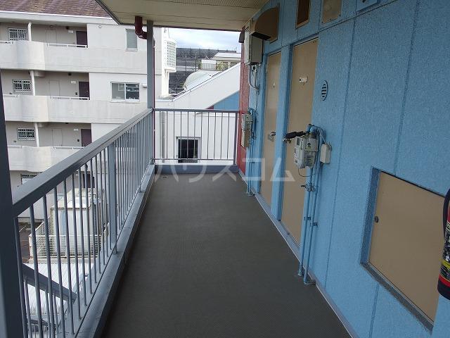 ルミネ豊ヶ丘 305号室のエントランス