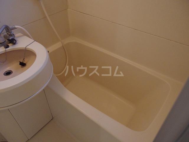 UトピアB棟 203号室の風呂