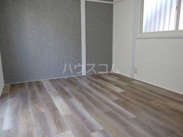 ヴィヴェール桜ヶ丘 101号室の居室