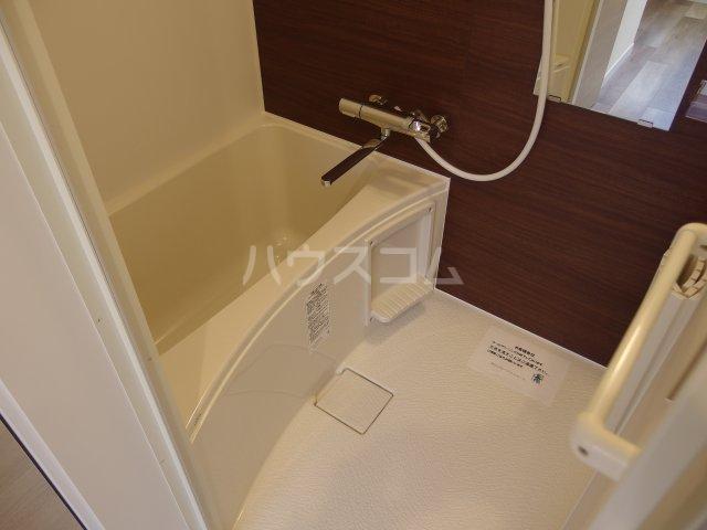ヴィヴェール桜ヶ丘 101号室の風呂