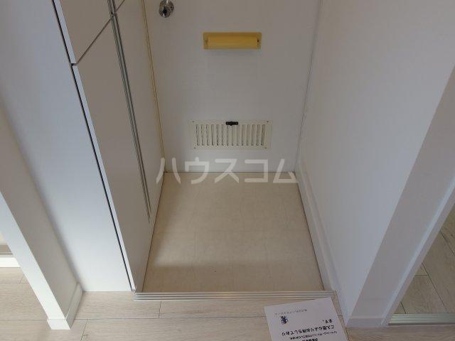 ヴィヴェール桜ヶ丘 202号室の玄関