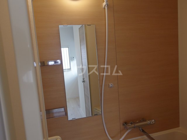 ヴィヴェール桜ヶ丘 202号室の洗面所