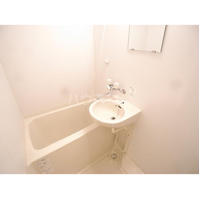 プリマヴェーラ北浦和 401号室の風呂