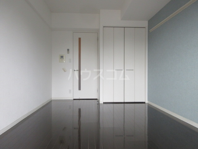 プロシード新栄 1107号室のリビング