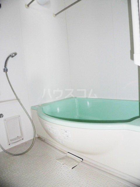 ピオーネ覚王山 203号室の風呂