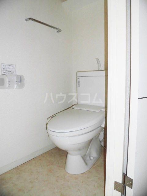ピオーネ覚王山 203号室のトイレ