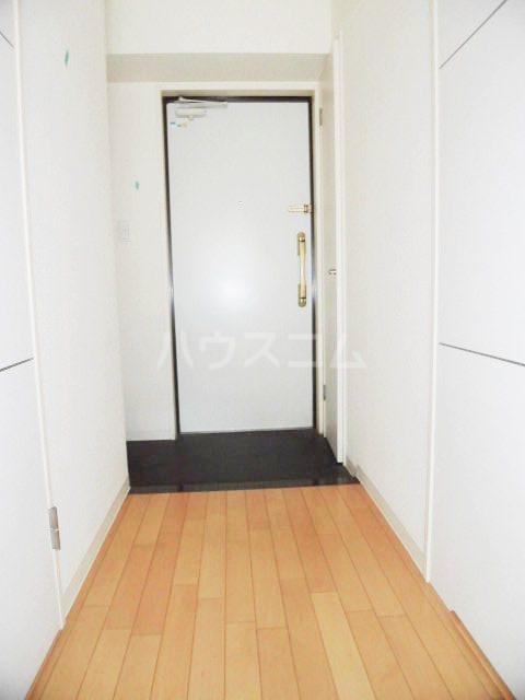 ピオーネ覚王山 203号室の玄関