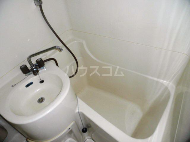 fメゾン振甫 302号室の風呂