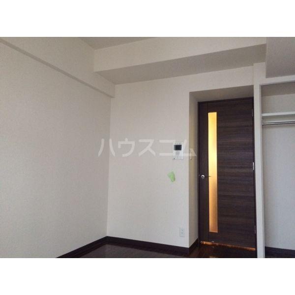 ライジングコート名古屋駅前東 203号室のリビング