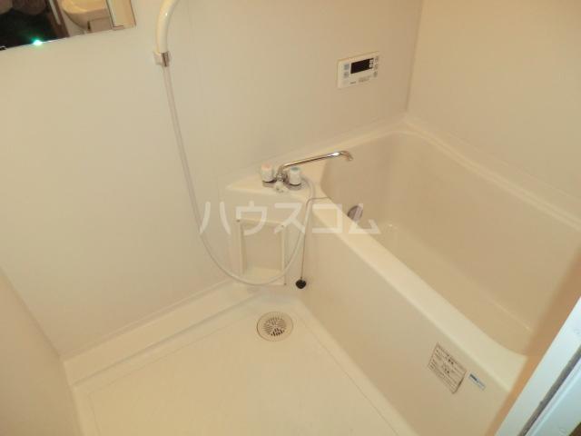 レジダンスボヌール籠原 303号室の風呂