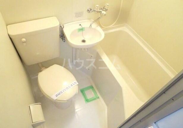 ベルバウム 202号室の洗面所