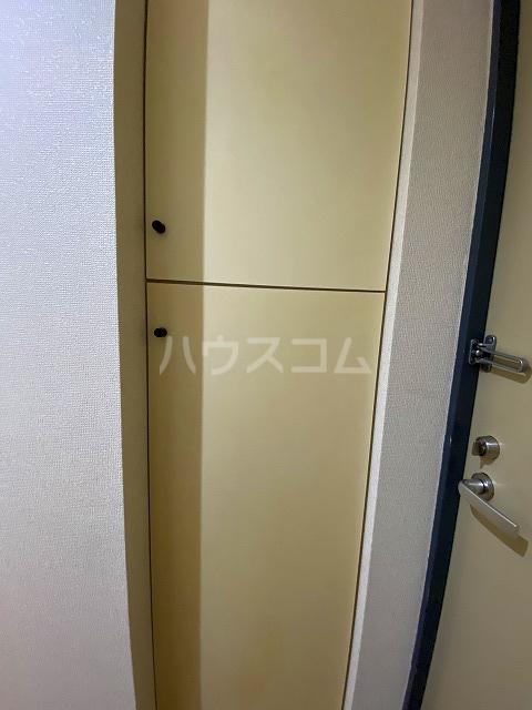 ジョイフル練馬 508号室の玄関
