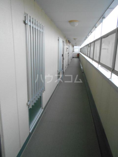 ユートピアハイム高野台 302号室のバルコニー