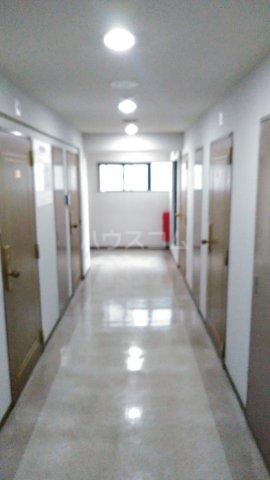 グランドハウスシャンティ 301号室のロビー