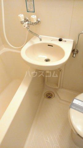 グランドハウスシャンティ 603号室の洗面所