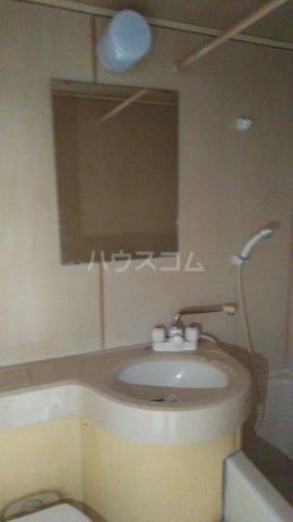 沖ハイツ 402号室の洗面所