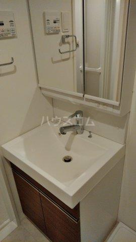 リアンシエルブルー田端 1102号室の洗面所