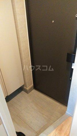 SYFORME KOMAGOME 703号室の玄関