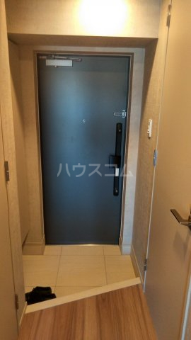 SYFORME KOMAGOME 802号室の玄関