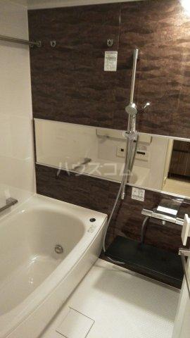 ザ・レジデンス駒込染井 401号室の風呂