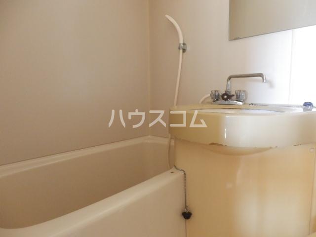 シャトー村瀬 303号室の風呂