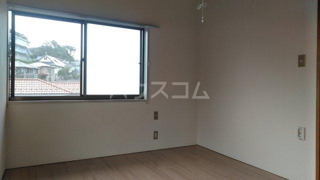 メゾン西生田 202号室の居室