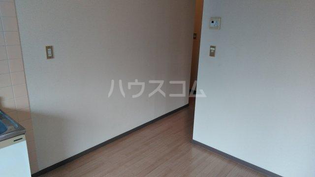 メゾン西生田 202号室のリビング