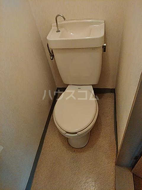 メゾンクレール 201号室のトイレ