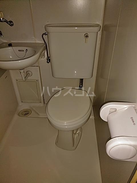 グラン・パレ西綾瀬 306号室のトイレ
