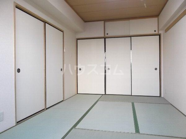 K-2レジデンス 501号室の居室