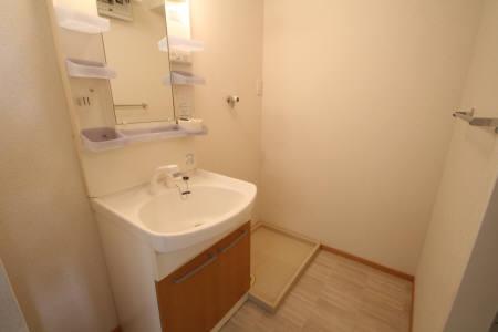 T'S 305号室の洗面所