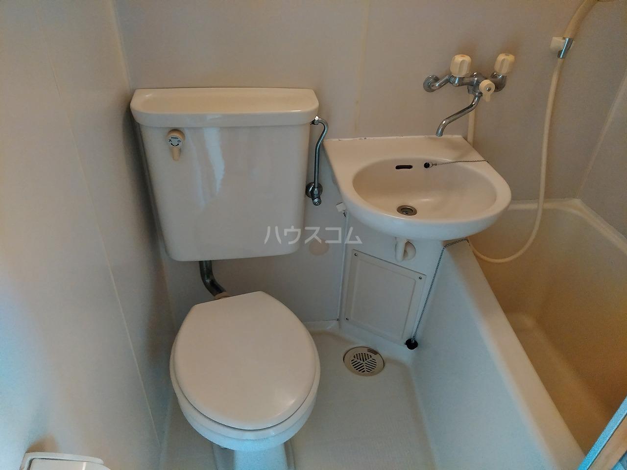 ヴィラ・コート大岡山 401号室のトイレ