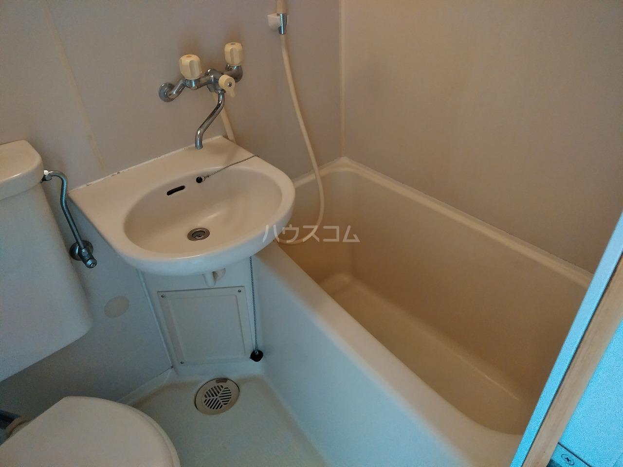 ヴィラ・コート大岡山 401号室の風呂