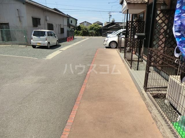 ルミエール清Bの駐車場