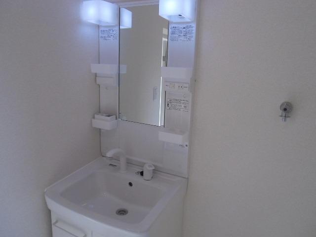 横山町apartment 203号室の洗面所