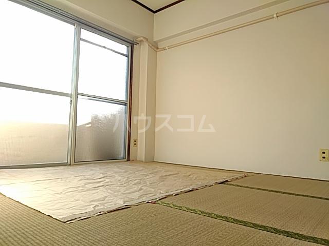 久里浜SKビル 405号室の居室