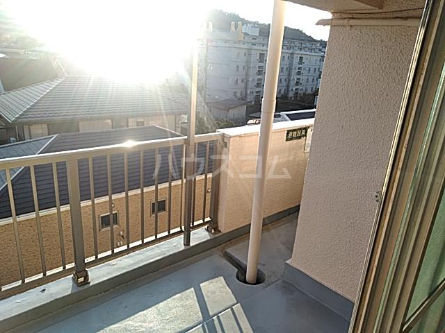 久里浜SKビル 405号室のバルコニー