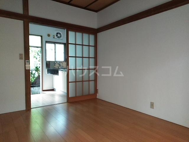 美幸荘 101号室の居室