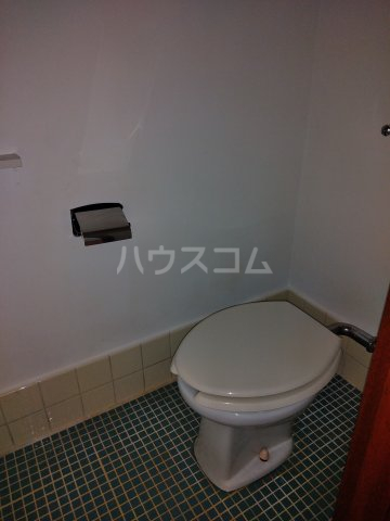 いづみ荘 202号室のトイレ