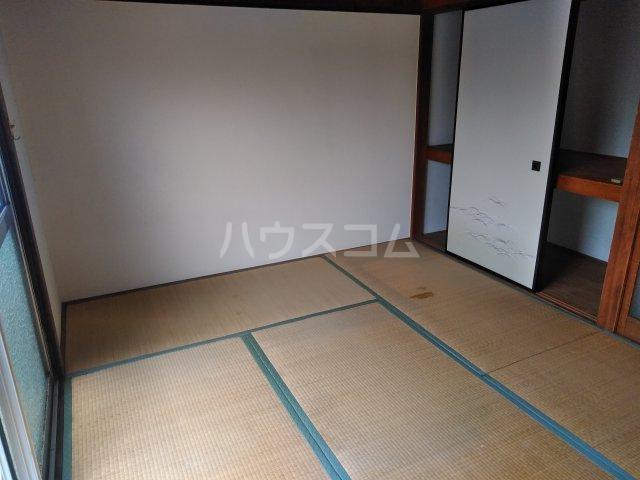 いづみ荘 202号室の居室