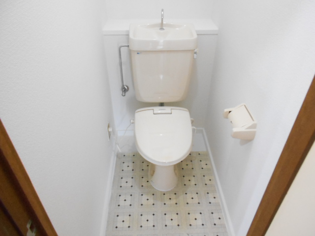 シュヴレット 203号室のトイレ