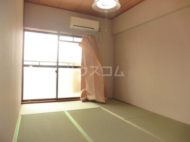 山星マンション 601号室の
