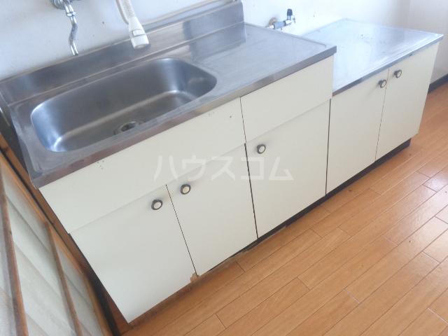 ホワイトマンション 306号室のキッチン